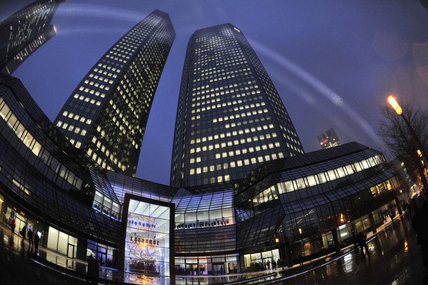 """Didžiausio pagal turtą Vokietijos banko """"Deutsche Bank"""" pastatas"""