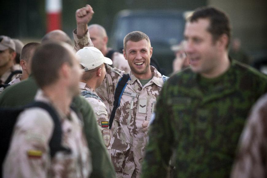 Į Lietuvą atvyko paskutinė grupė karių, baigusių misiją Afganistano Goro provincijoje