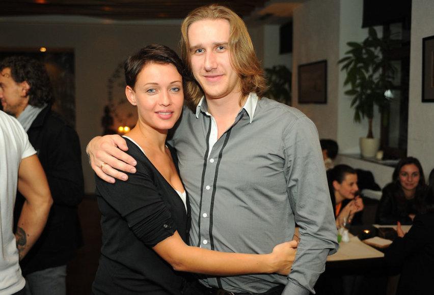 Aistė Jasaitytė-Čeburiak su vyru Romanu