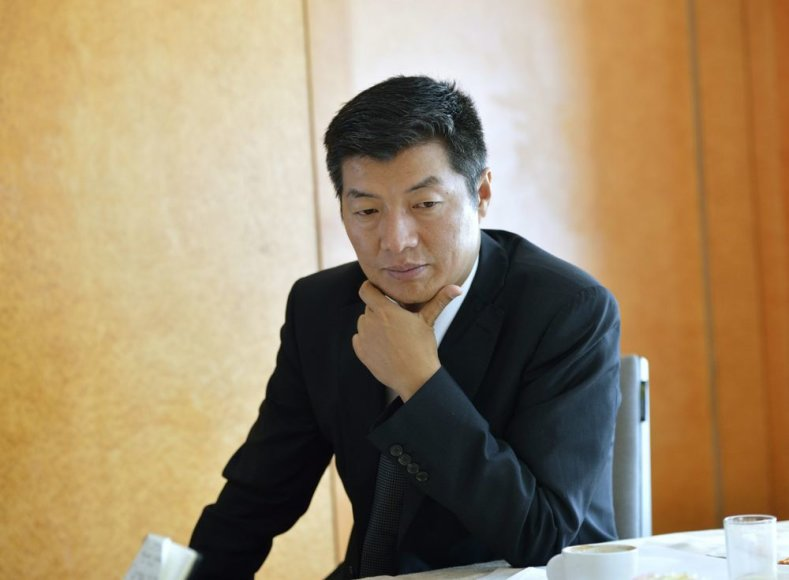 Tibeto vyriausybės tremtyje vadovas Lobsangas Sangay.