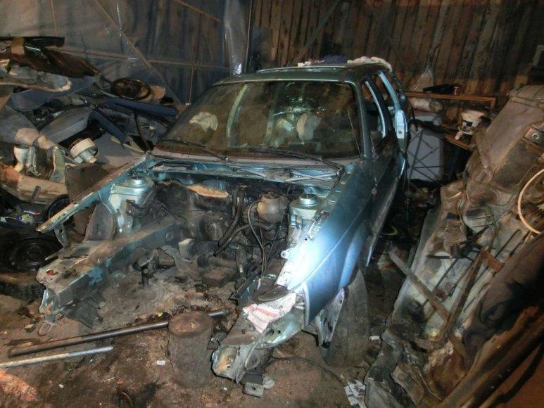 Kauno pareigūnai sulaikė įtariamuosius automobilių vagystėmis