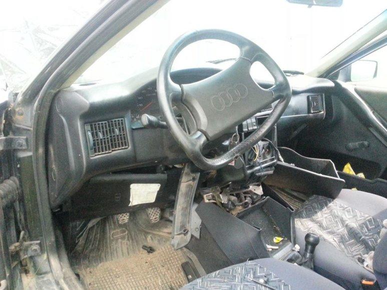 """""""Audi"""" automobilio salonas po avarijos"""