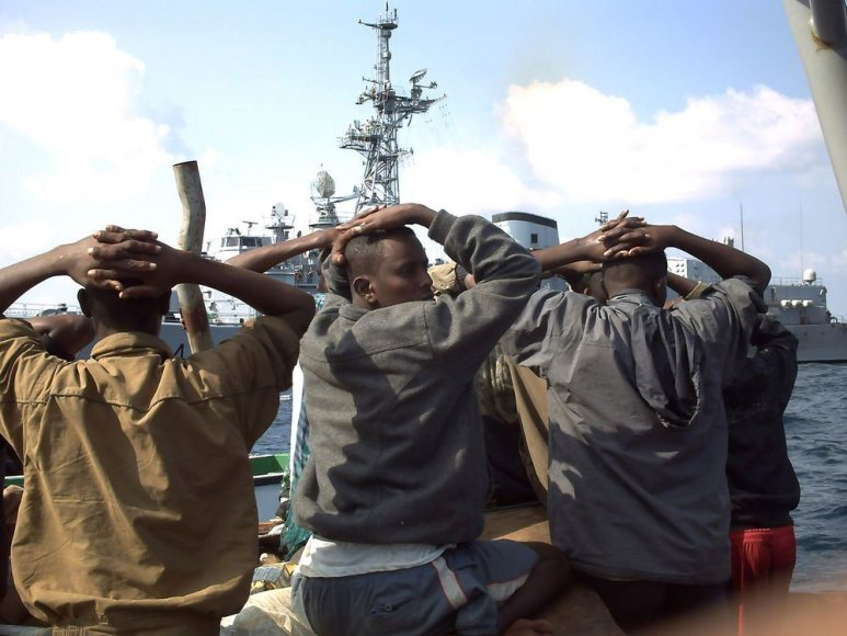 Sugautus piratus dažnai tenka paleisti, nes jų nėra kur teisti.