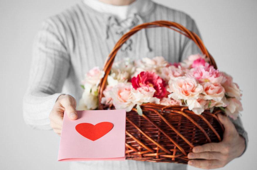 Nepatikėsite – vyrai romantiškesni už moteris!