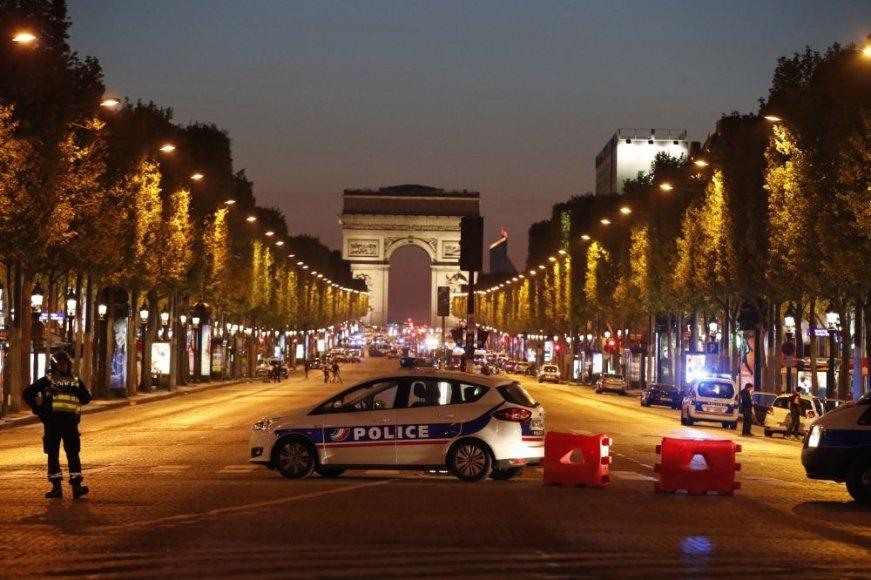 Paryžiaus pareigūnai sukelti ant kojų