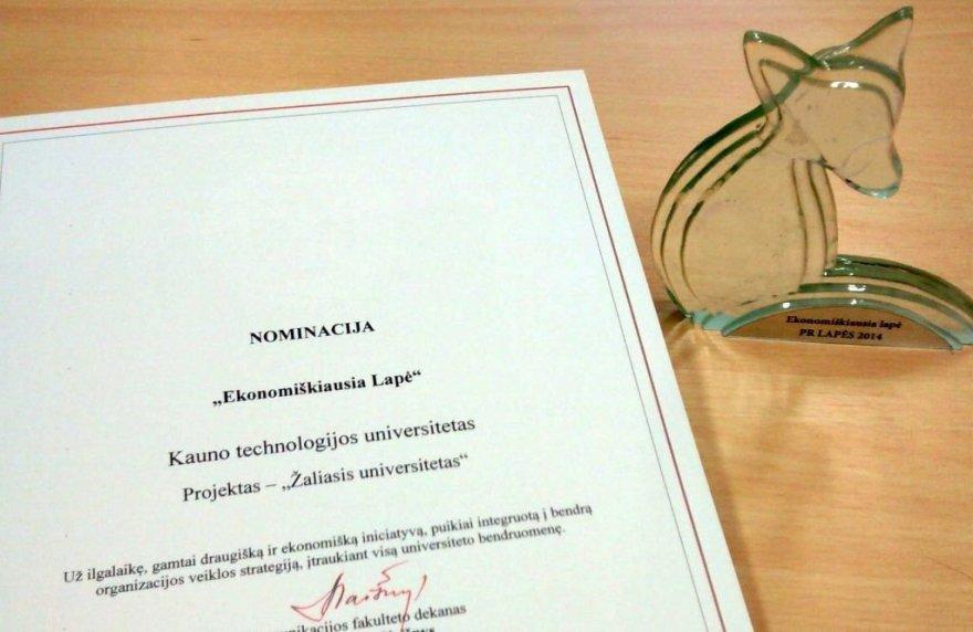 """KTU įteiktas """"Ekonomiškiausios lapės"""" apdovanojimas"""