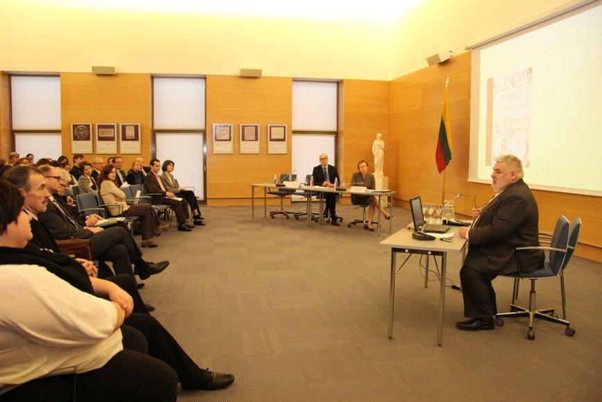 Istorikas Alfredas Bumblauskas pristatė Lietuvos Didžiosios Kunigaikštystės istorijos tyrinėjimus bendradarbiaujant su Ukrainos ir Baltarusijos mokslininkais.