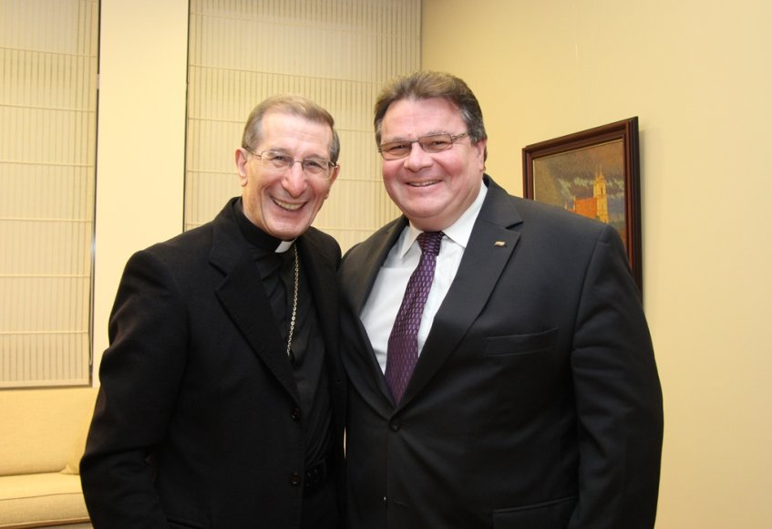Luigi Bonazzi (kairėje) su ministru L.Linkevičiumi
