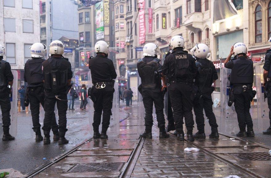 Žmonės protestais išreiškia nepasitenkinimą Turkijos valdžia po tragiškos nelaimės Somos šachtoje