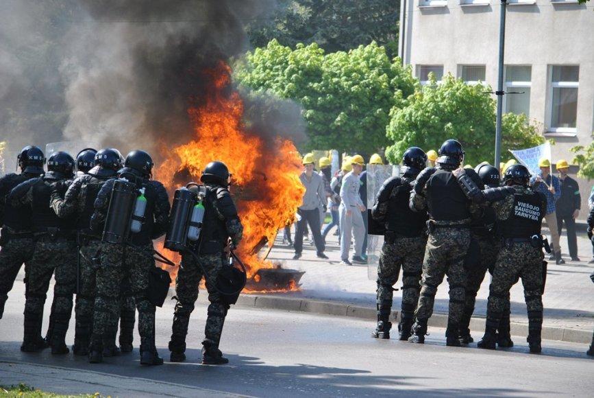 """Pratybose """"Žaibo kirtis"""" – staigūs veiksmai prieš tariamus separatistus 2015 m. gegužės 09 d."""