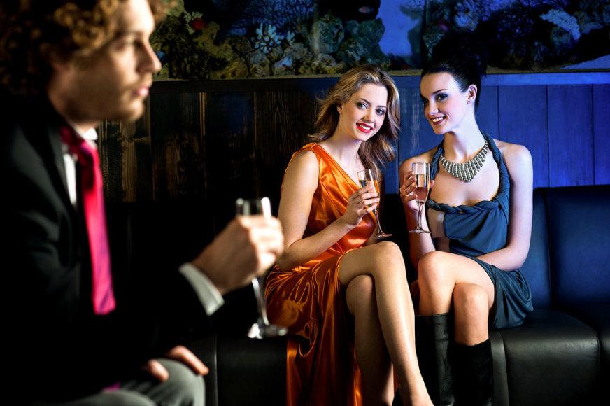 Merginos bare.