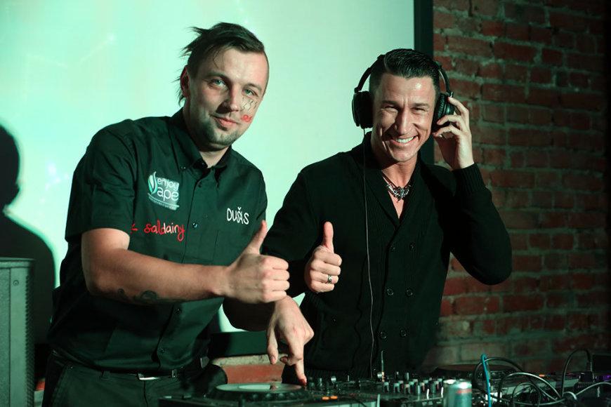 DJ Dušas ir Saulius Skambinas