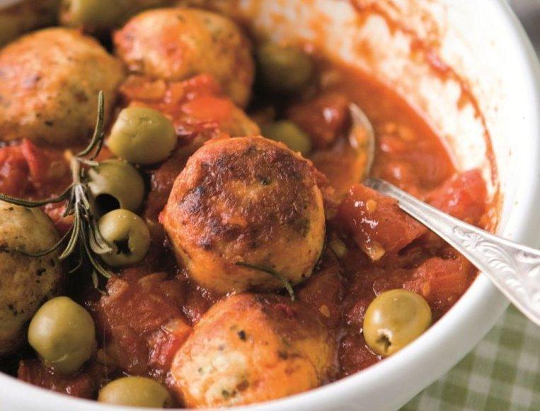 Kukuliai su pomidorų padažu