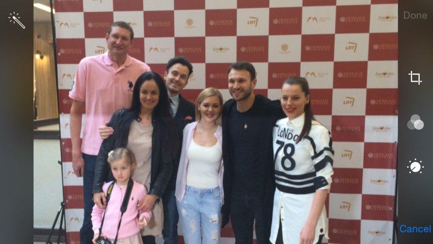 """Palaikyti """"Eurovizijos"""" atstovų atvyko ir Eurelijaus Žukausko šeima"""