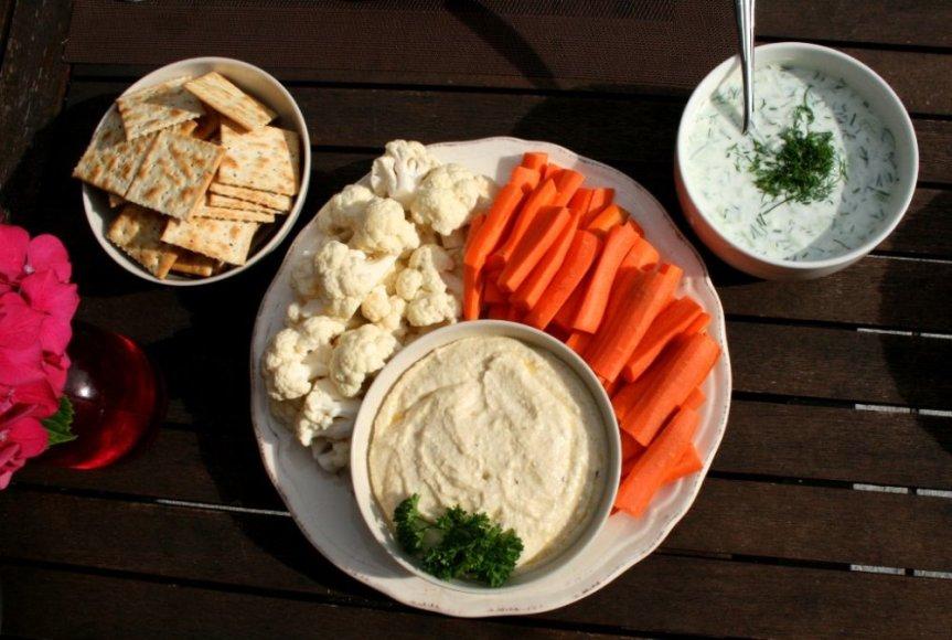 Česnakinė baltojo sūrio užtepėlė