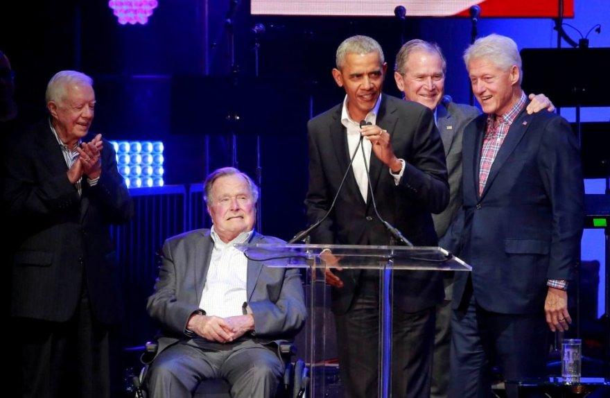 Barackas Obama, Billas Clintonas, Jimmy Carteris, George'as H.W. ir George'as W. Bushai