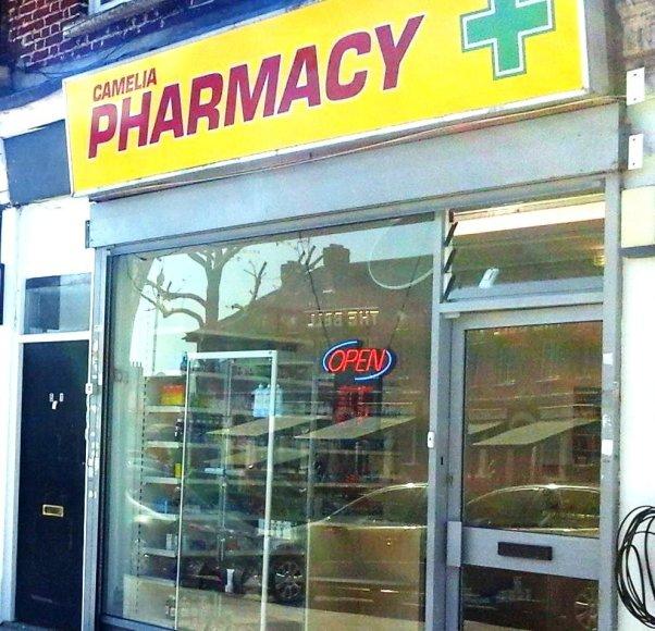 Dėl Londone veikiančios vaistinės pavadinimo imtąsi teisinių veiksmų.