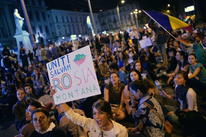 Rumunijoje ne vienus metus vyko visuomenės protestai prieš aukso kasyklos projektą.