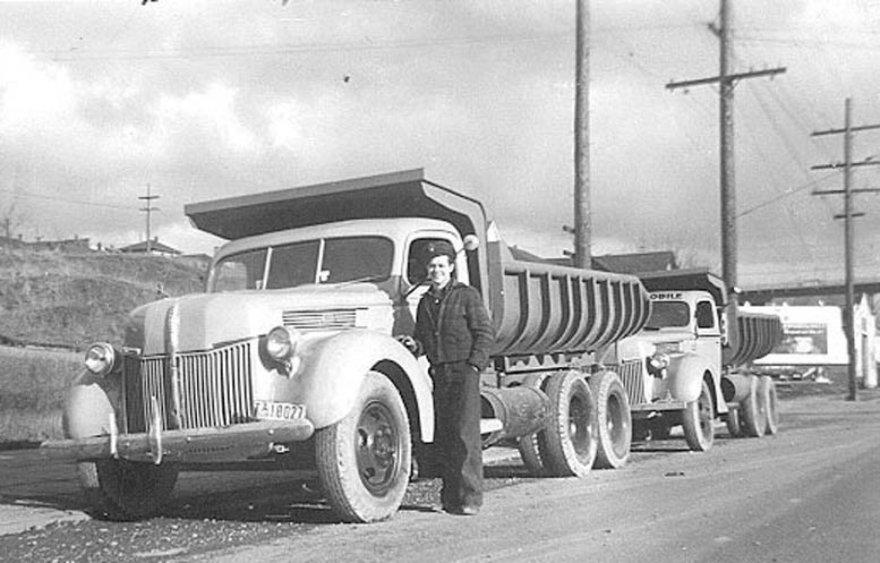 """""""Ford"""" su dviem varikliais"""