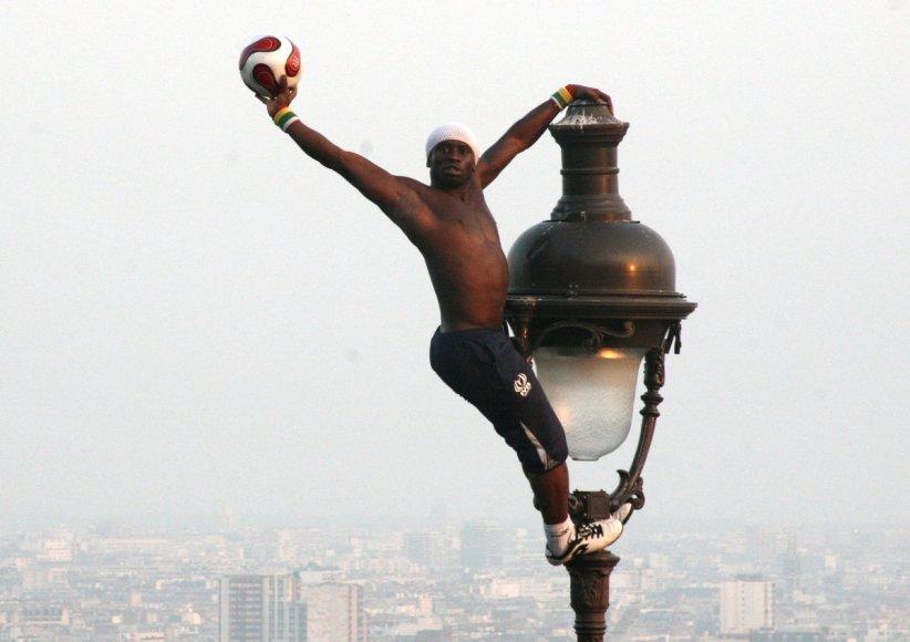 Kamuolio žonglierius Iya Traore