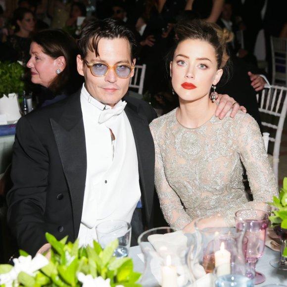 Amber Heard ir Johnny Deppas