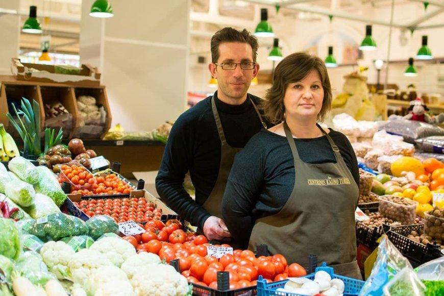 Kauno turgaus prekeiviai: italas Luciano ir Vaida