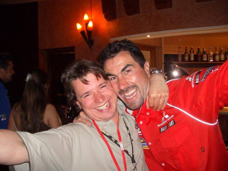 Antanas Juknevičius su 2006 m. Dakaro ralio laimėtoju Luku Alfanu