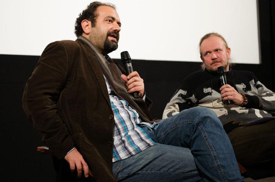 Prodiuseris Orwa Nyrabia (kairėje)