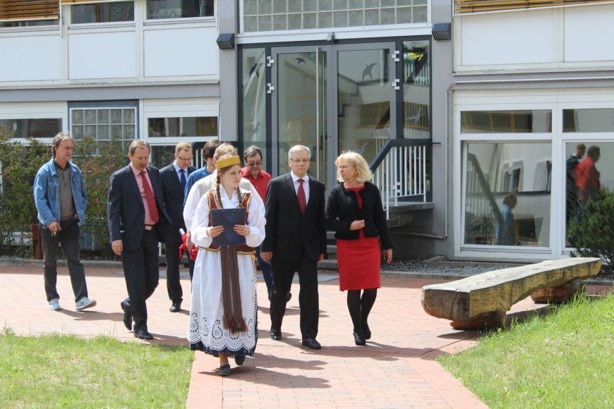 Finansų ministras Rimantas Šadžius Vasario 16-osios gimnazijoje
