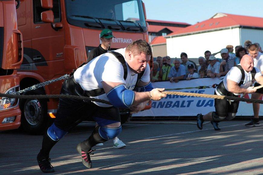 Žydrūnas Savickas praėjusiais metais laimėjo vilkikų tempimo čempionatą.