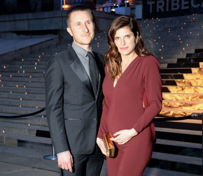 Lake Bell ir Scottas Campbellas