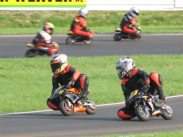 Mažųjų motociklų lenktynės