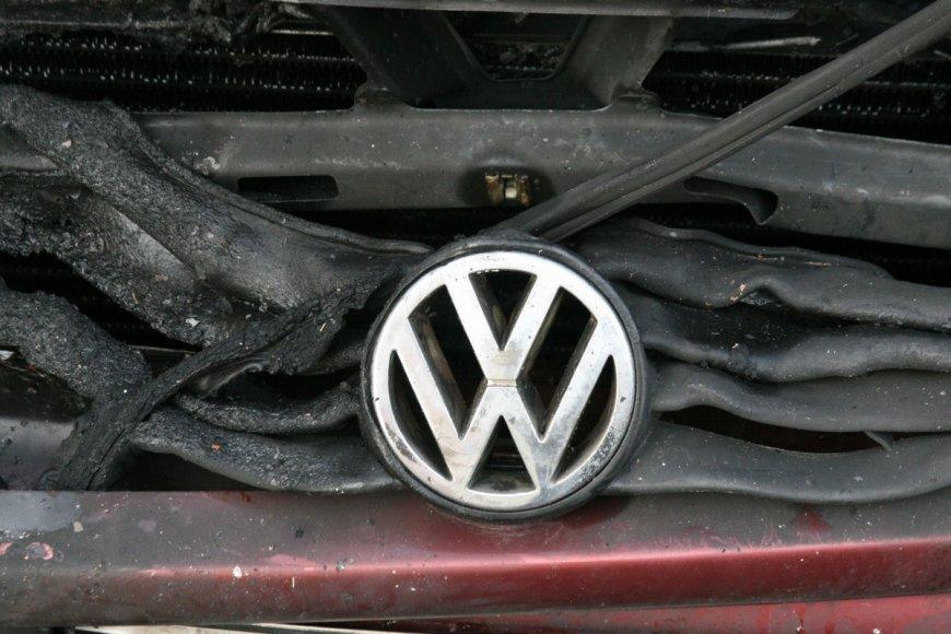 Degė automobilis