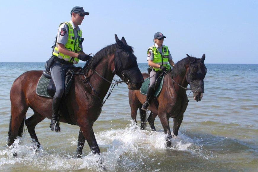 Palangoje viešąją tvarką palaiko ir raitoji policija