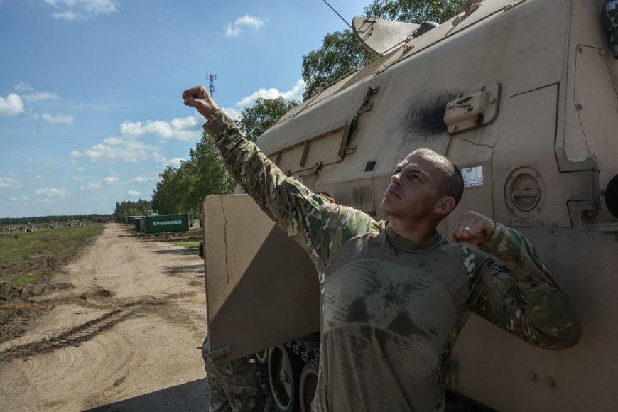 Visada geros nuotaikos seržantas Scottas Parhamas