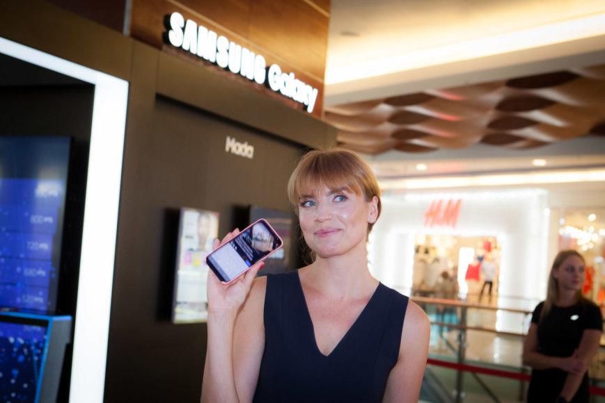 """Užsakovo nuotr./""""Samsung"""" parduotuvės atidarymas"""