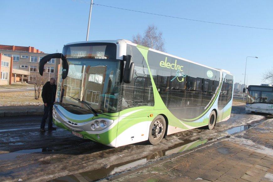 "Elektra varomas autobusas ""L-BUS"""