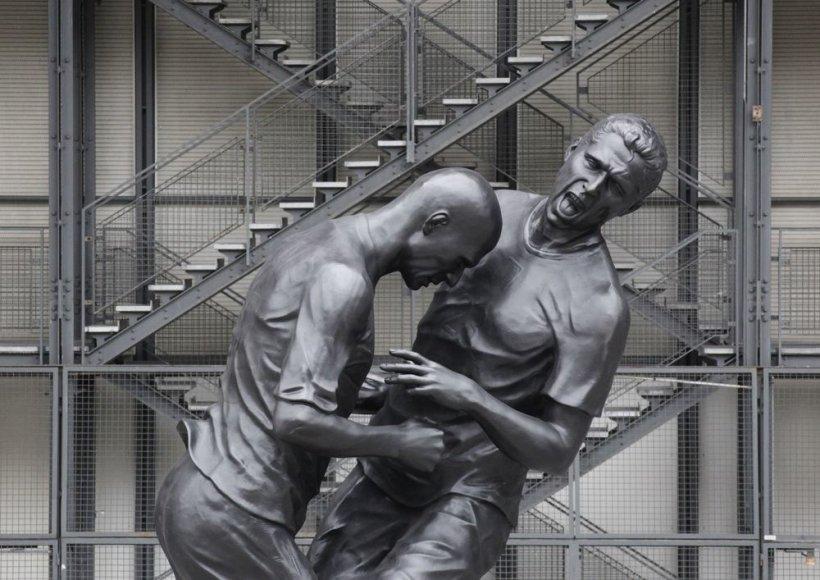 Zinedine'o Zidane'o ir Marco Materazzi skulptūra