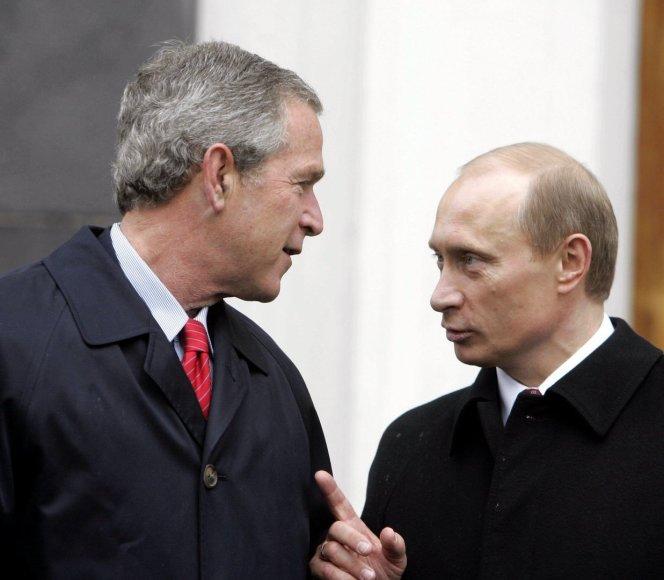 George'as W. Bushas ir Vladimiras Putinas