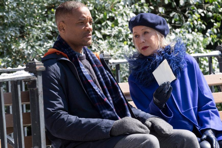 """Kadras iš filmo/Willas Smithas ir Helen Mirren dramoje """"Užslėptas grožis"""""""
