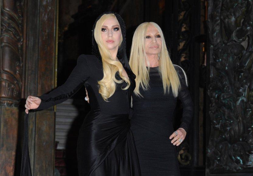 Lady Gaga ir Donatella Versace