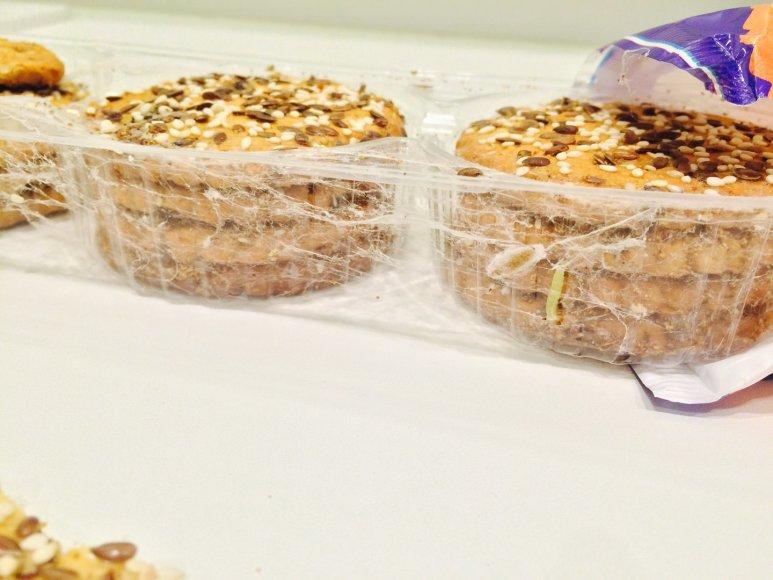Sausainiai su kirmėlėm