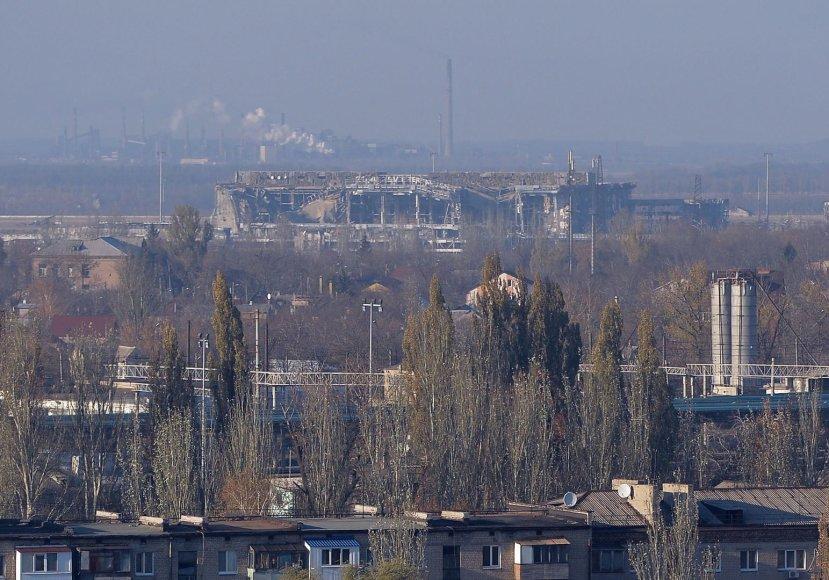 Donecko oro uosto terminalas beveik visiškai sugriautas.