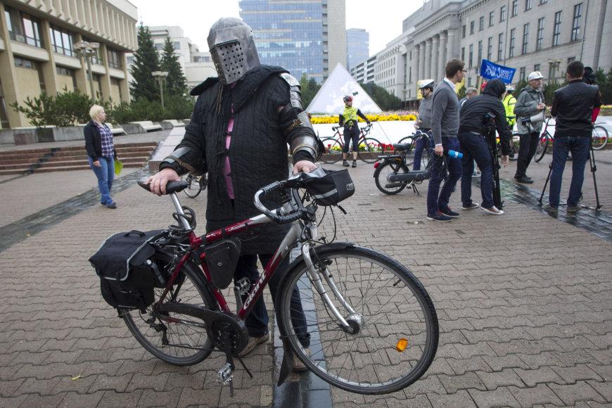 Dviratininkų protestas prie Seimo