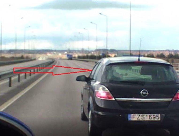 """Opel Astra"" manevrai"
