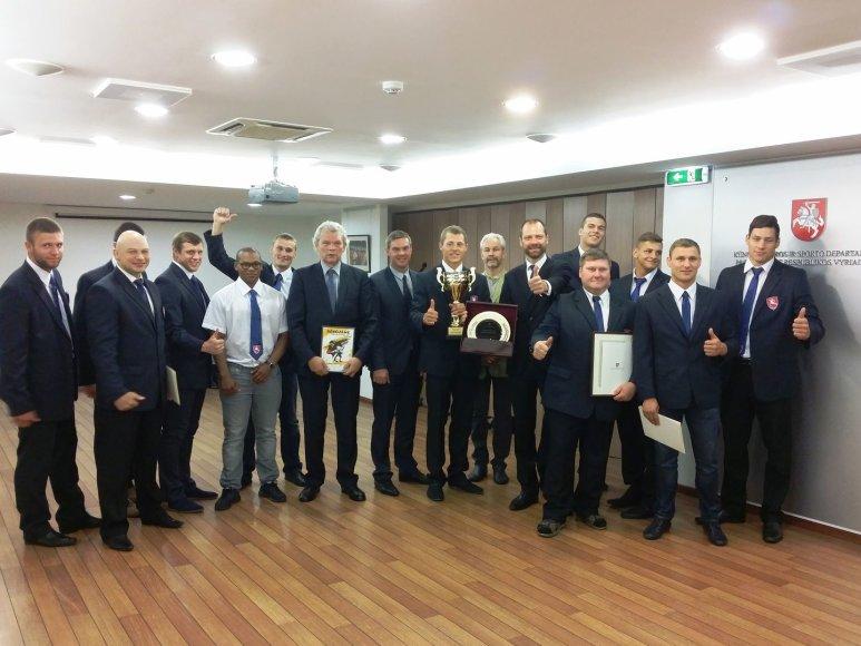 Lietuvos regbio 7 rinktinė pagerbta KKSD