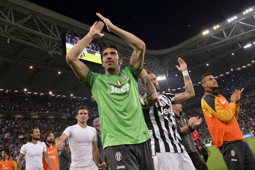 """""""Juventus"""" futbolininkai švenčia čempionų titulą"""
