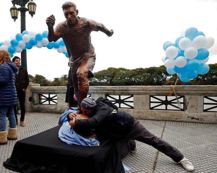 Lionelio Messi statula Buenos Airėse