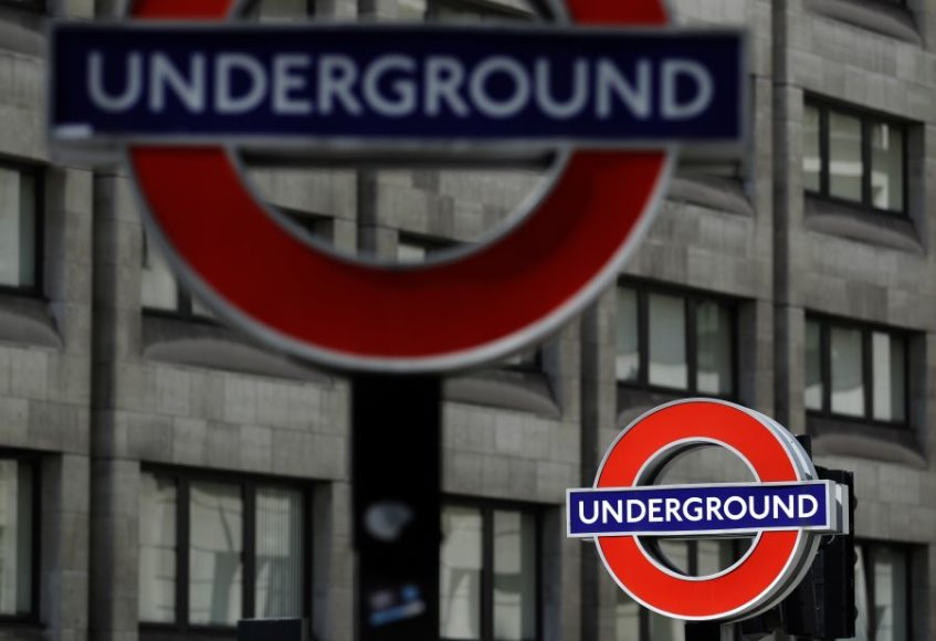 Londono metro logotipas