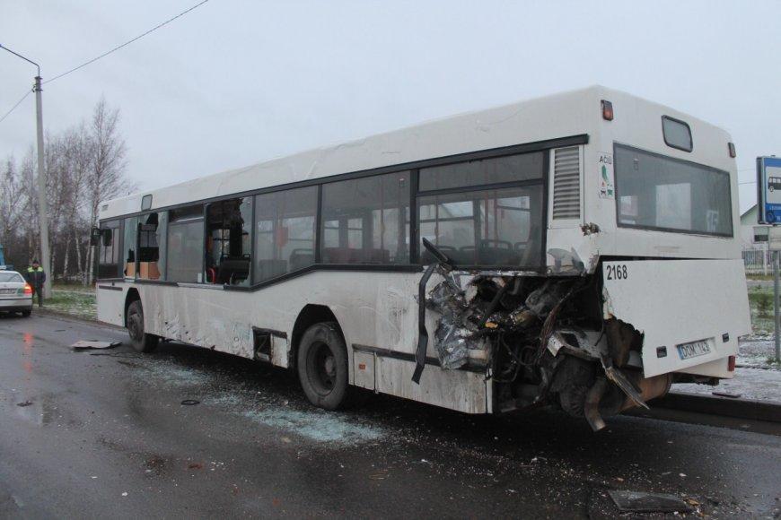 Autobuso avarija. Asociatyvi nuotr.